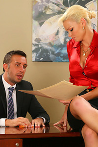 Rhylee Richards Rides Her Boss