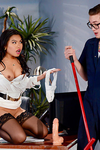 Hot Woman Cindy Starfall Plays With Dildo And Cock
