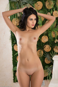 Mona Teen Hottie Posing Nude