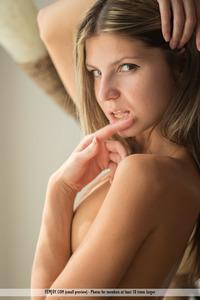 Skinny Blonde Gina Gerson Nude