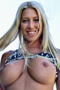 Lexi Reveals Her Perfect Boobs