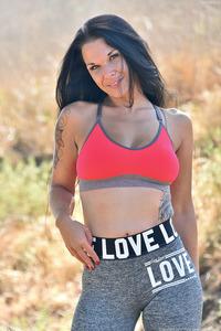 Topless Jogger Veronica