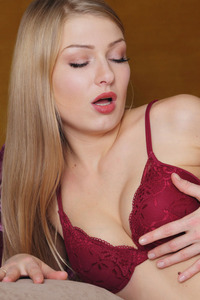 Beauty Lucy Heart Take Off Sexy Lingerie