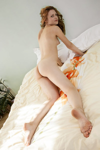 Sexy Shirley Tate Shows Her Ass And Pussy