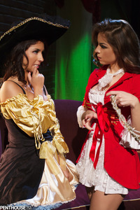 Evi Fox And Yurizan Beltran Pirates