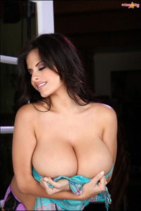 Wendy Fiore Natural Big Tits