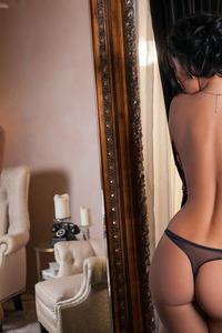 Kristie Taylor Strip Down Her Lingerie
