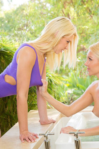 Annika Albrite And Aaliyah Love Wet Love