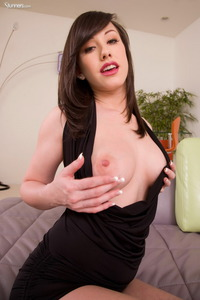 Jennifer White Fingeing Her Pink Pussy