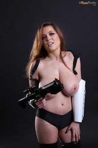 Tessa Fowler Big Boobs Model