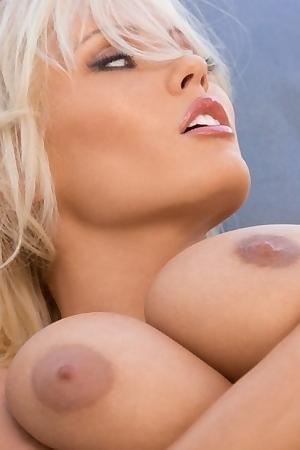 Hanna Hilton Nude