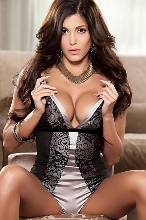 Sexy Brunette Meghan Nicole