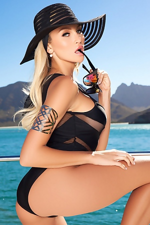 Khloe Terae In Hot On The Yacht