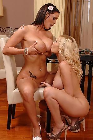 Dona Sheila Lesbian Sex