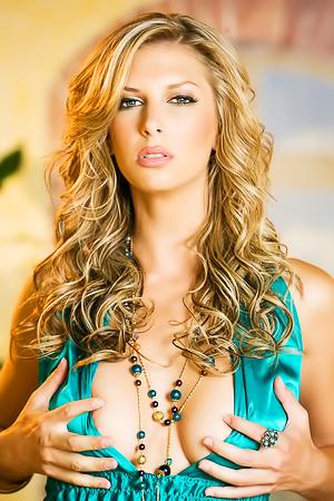 Busty Blonde Brooke Banner Stripping