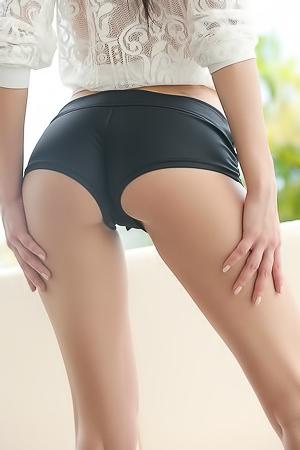 Martina Hot Babe Strips Nude