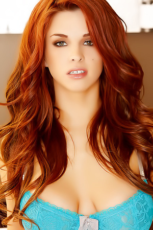 Redhead Sexpot Sabrina Maree Looks Really Fuckable