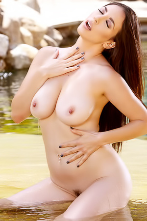 Jelena Jensen Shows Her Perfect Breasts