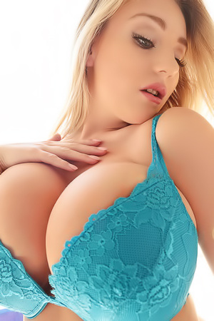 Blonde Beth Lily Busty Super Babe