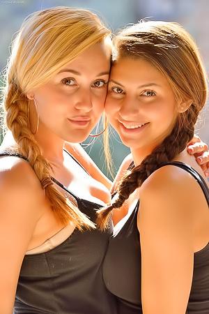 Nina And Serena Deep Insertions