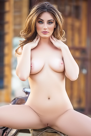 Lauren Love In American Cowgirl