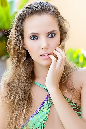 Meet Slick Russian Model Katya Clover Aka Mango A.