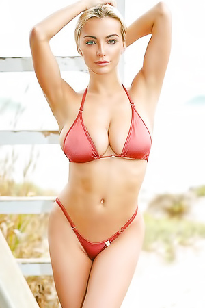 12 Ultra Sexy Pictures Of Sexbomb Lindsey Pelas