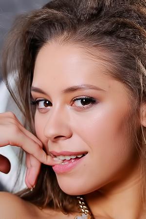 Olina R Sexy Teen Beauty