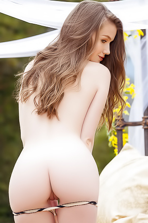 Emily Bloom - Cybergirl Of The Month For June 2016