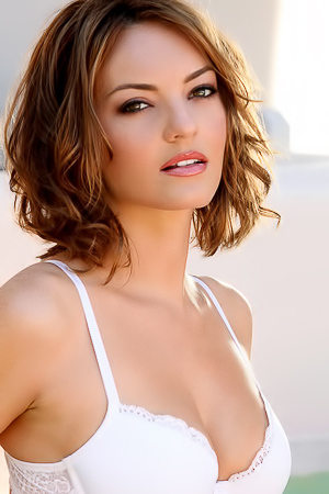 Dakota Rae Strip Off Her White Lingerie