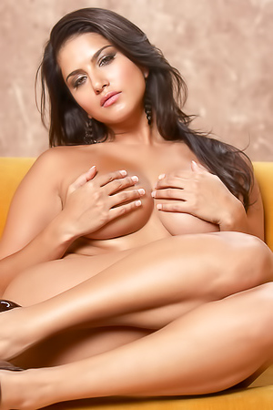 Sunny Leone Shows Off Her Beautiful Body