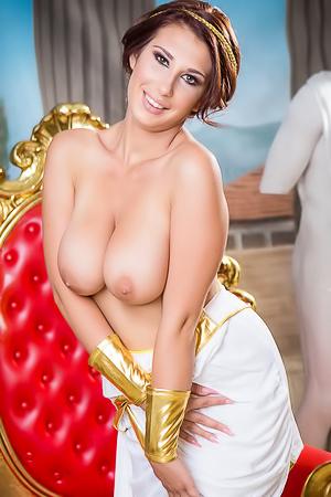 Ayda Swinger Roman Goddess
