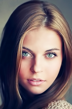 Models Seducing With Gorgeous Eyes