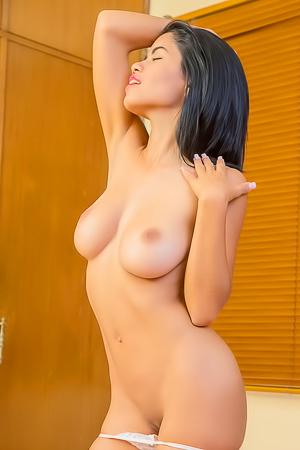 Lea De La Torre Beautiful Tits