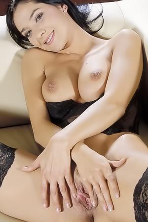 Gorgeous Black Haired Glamour Babe Lara Stevens