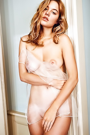 Sexy Supermodel Camille Rowe