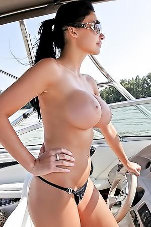 Hot Aletta Ocean