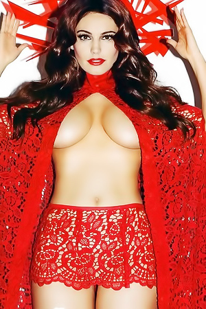Kelly Brook Is An English Model, Actress & TV Star