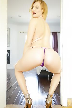 Pornstar Natalia Starr