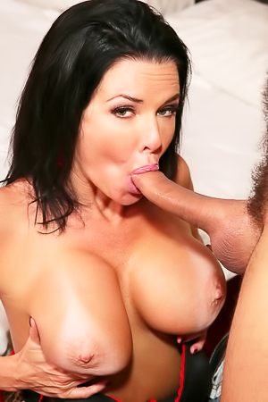 Fuck Veronica Avluvs Boobs