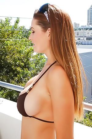 Busty Babe In Bikini Allison Moore
