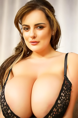 Katie T Shows Her Huge Boobs