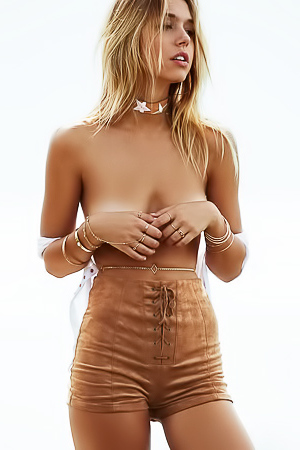 Topless Alexis Ren Trying To Hide Her Nipples