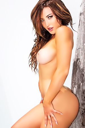 Hot Stefanie Knight Posing Nude