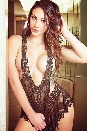 Krystal Lenkova Mexico Babe