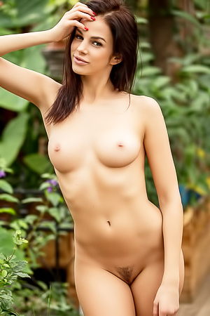 Extra Hot Playboy Girl Sophie