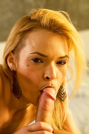 Blonde Milf Babe Blaten Lee Professional Sucker