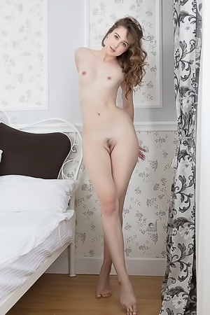 Erotic Teen Dara W Gets Naked